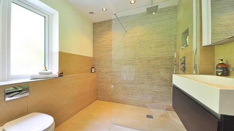 A bathroom with one of the best rain shower heads
